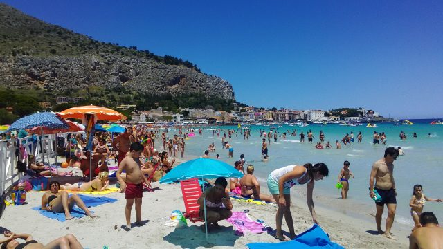 モンデッロ海水浴場の風景