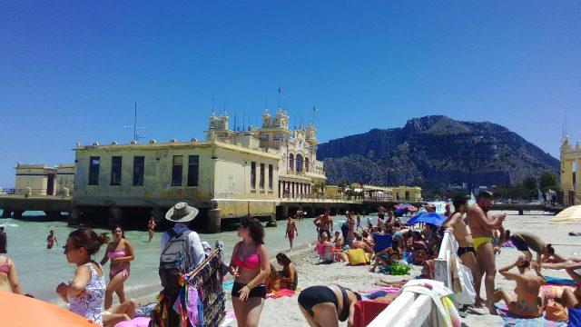 モンデッロビーチおすすめの場所の写真
