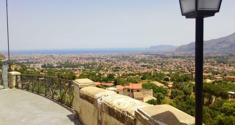 モンレアーレ大聖堂から見たパレルモの町並み