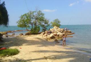 パタヤの北コーラルビーチはのどかな海