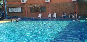 チェンマイのローカルエリアの安い有料プールは1日50B