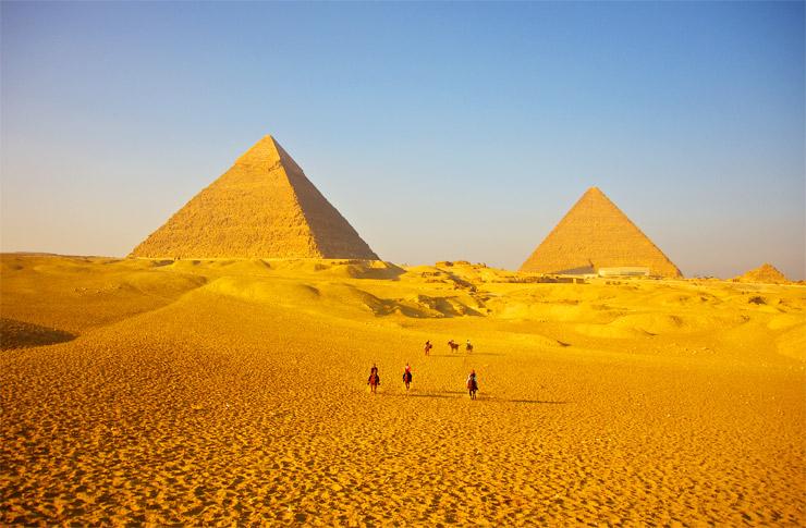 ギザのピラミッド大