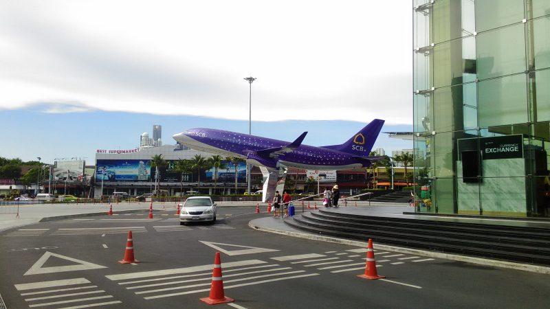 ターミナル21の飛行機の模型