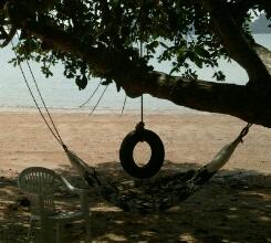 タイのビーチとハンモック