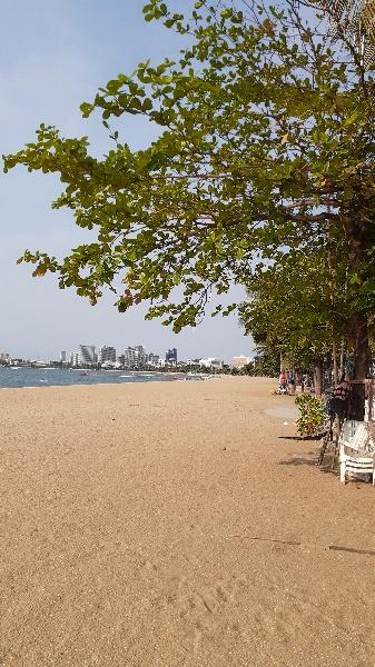 海の家が撤去されたパタヤビーチ:kabutotai.net